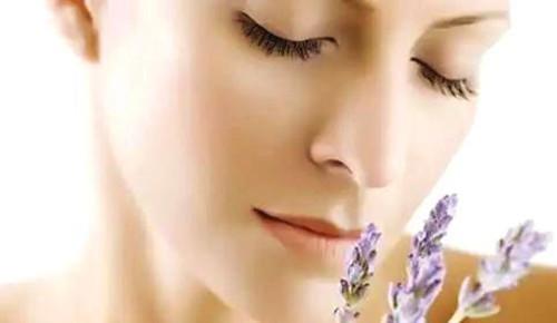 想用精油帮助敏感肌肤尽快修复,看这一篇就够用了