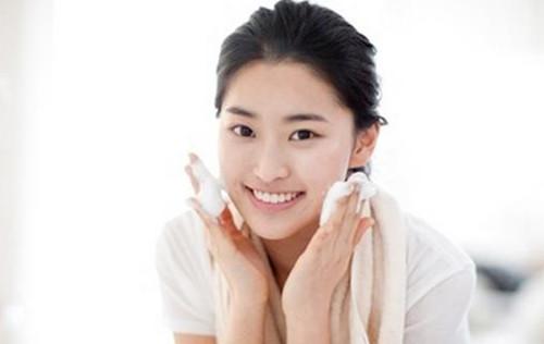 洁面乳怎么用?敏感肌肤什么样的洁面乳?趣味解析