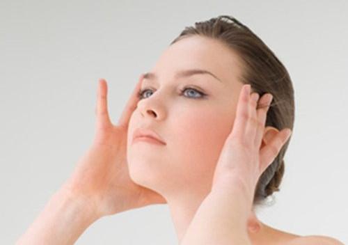 依泉绷带霜上脸都有刺痛感,源自护肤告诉你原因