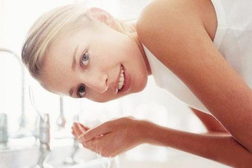 过度清洁引起的皮肤敏感,不洗脸就能修复屏障了吗?
