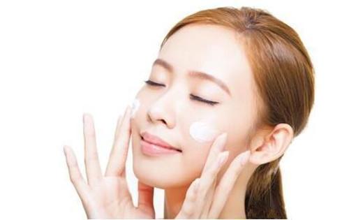 敏感肌肤用什么护肤品?学会选择,避免烂脸危机