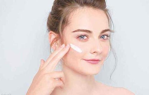 室内也要用防晒霜,是个误区?还是敏感肌必须做的