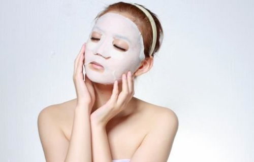 敏感肌肤是否可以敷面膜?源自护肤小贴士