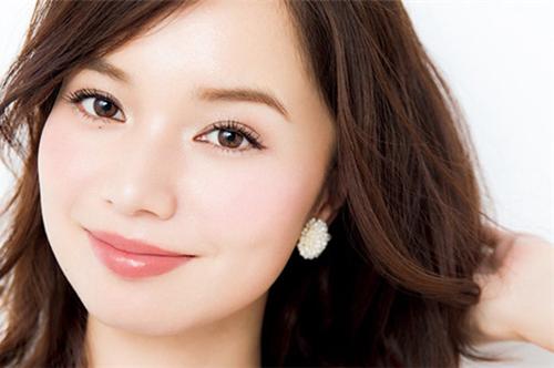 敏感肌肤应该如何改善?过敏期间能化妆吗?