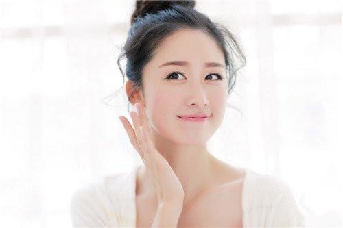 敏感肌肤如何选择护肤品?了解成分,避免踩坑