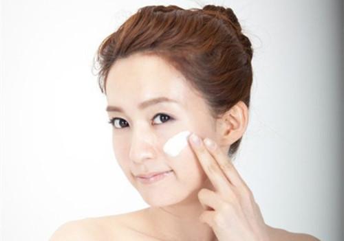 护肤品是否能够解决敏感肌肤问题?可以变成健康肤质吗?