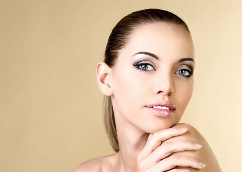 敏感性皮肤有哪些体征?我们应该如何养护?