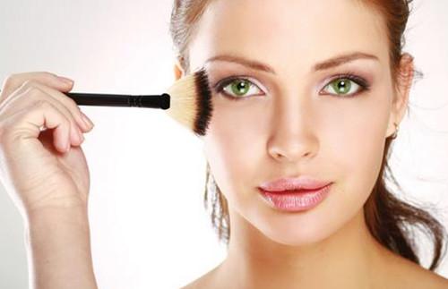 化妆感觉刺痛,卸妆后泛红、瘙痒,敏感肌如何自救?