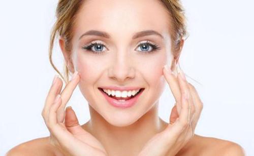 裸脸对敏感肌的修复有帮助吗?源自护肤小贴士