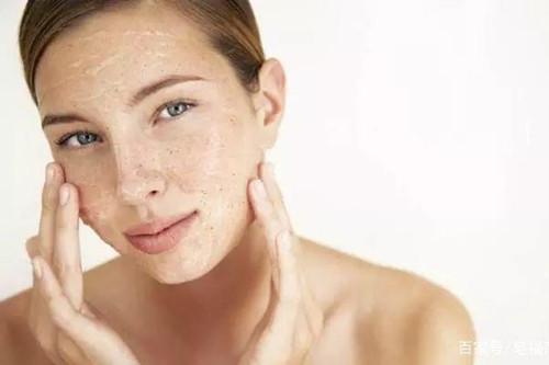 使用大品牌的护肤品还是有搓泥现象,这是为什么呢?