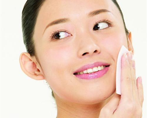 敏感肌需要经常更换护肤品吗?多久更换一次比较合适?