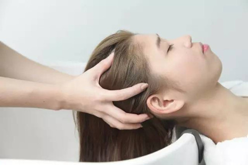 除了脸皮以外,头皮护理也很重要!大家注意了