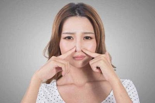 脂溢性皮炎是什么原因引起的?应该如何护理?