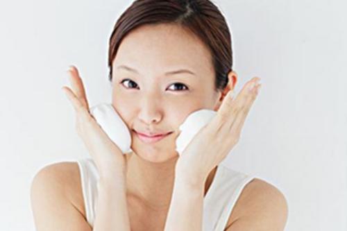 敏感肌肤还可以经常去角质吗?修复肌肤屏障,不要乱来了