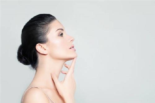 缓解敏感肌症状都有哪些方法?少用热水,避免过度清洁